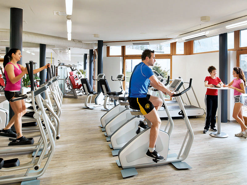 Fitness-Training im self-fitness, Sportzentrum Frutigen